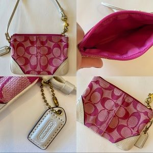 Coach wristlet pink and white